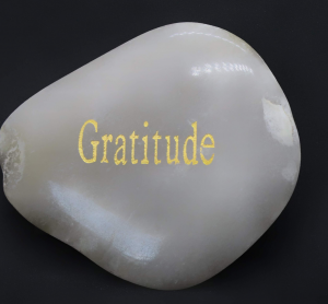 What are some benefits of being grateful?